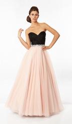 76c3557d0ee4 Šaty svatební půjčovna