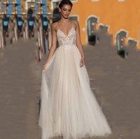 1046 Krásné svatební šaty na ramínka